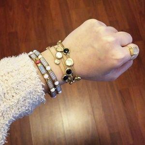 🆕️{NWOT}• Gold Black Magnet Bracelet •